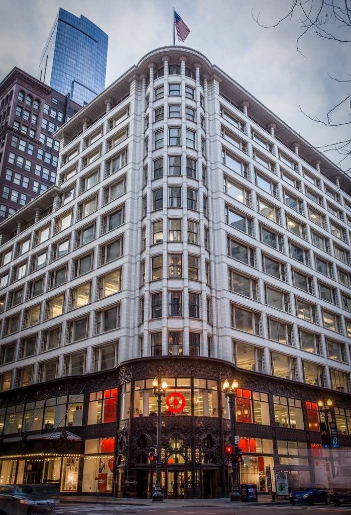 CityTarget opened in the former Carson, Pirie, Scott and Company Building, now the Sullivan Center, in 2012. The building was designed by Louis Sullivan and opened for retail in 1899. (Flickr/Chris Smith)