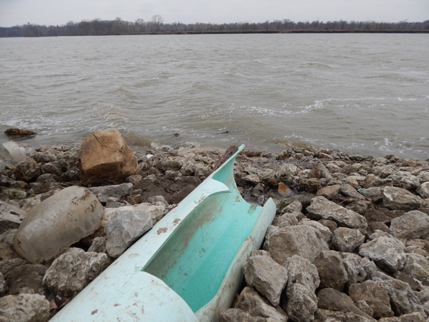 Runoff into the Maumee River comes from diffuse sources: urban stormwater and sewer overflows, agricultural runoff, and private lawns and golf courses.