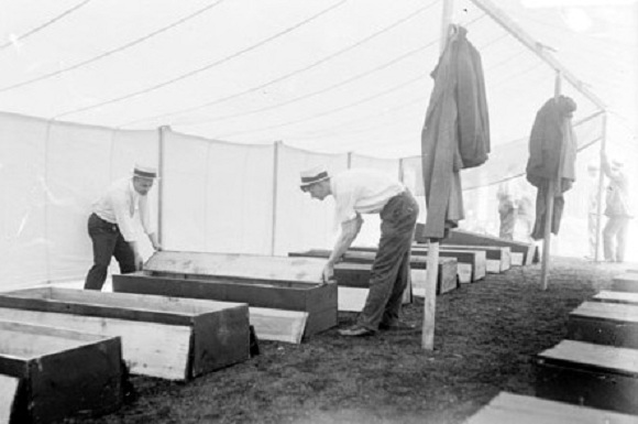 Temporary onsite morgue (Library of Congress/Chicago Daily News)