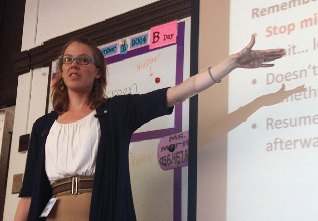 Mindy Sjoblom teaches a class at Relay Graduate School of Education. (WBEZ/Becky Vevea)