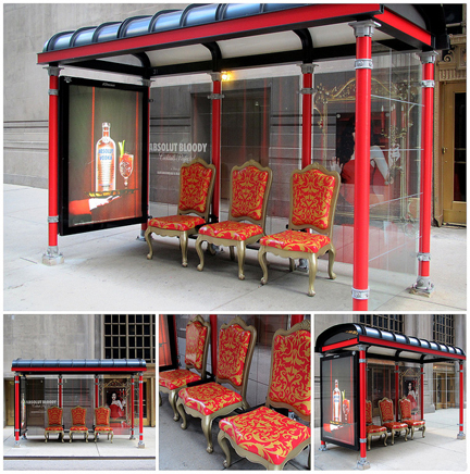 A JCDecaux shelter on Wacker Drive in 2010 shows the potential for advertising space. (Flickr/clarkmaxwell)