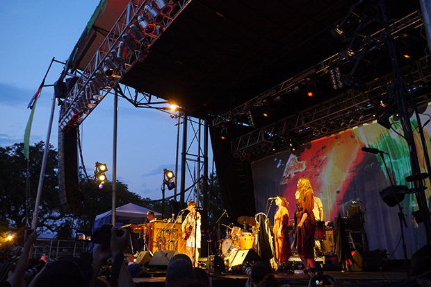 Feist and band (WBEZ/Andrew Gill
