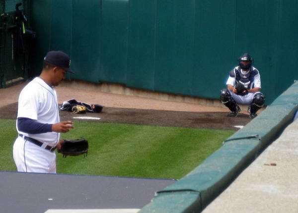 Jeff Kunkel catching in the Yankee stadium bullpen. (Photo by Pam Kunkel)