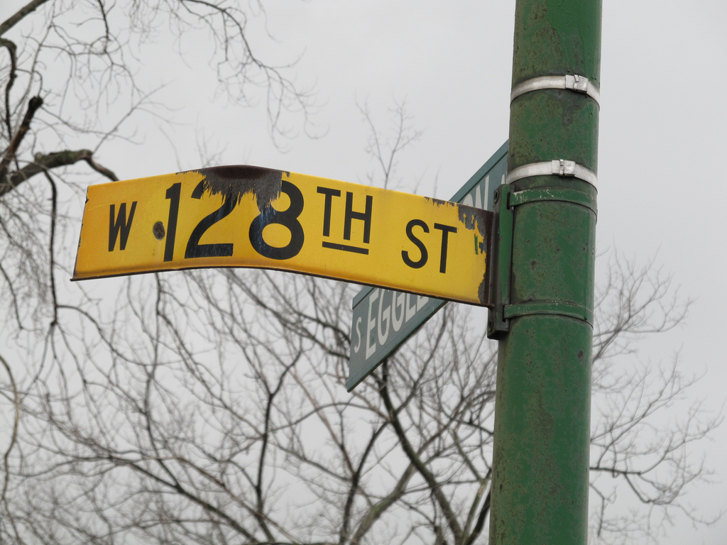 An old Chicago street sign in the historic Pullman neighborhood sticks around. (Flickr/Jeff Zoline)