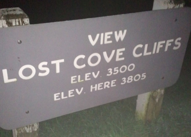 Lost Cove Cliffs Overlook (Photo by Maureen Searcy)