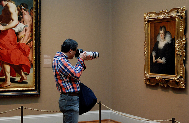 Assault with a Canon, Art Institute of Chicago, 2013 (Flickr/Jeffery C. Johnson)