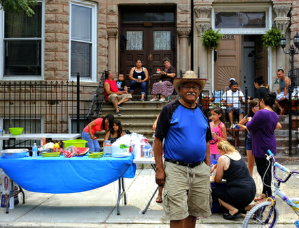Block Party in Pilsen (Flickr/Andre's Street Photography)