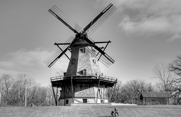 The Fabyan Windmill is an authentic, working Dutch windmill dating from the 1850s located in Geneva, Illinois. The 68 feet, five-story wooden smock mill sits upon the onetime estate of Colonel George Fabyan, but is now part of the Kane County Forest Preserve District. (Flickr/vbajda)