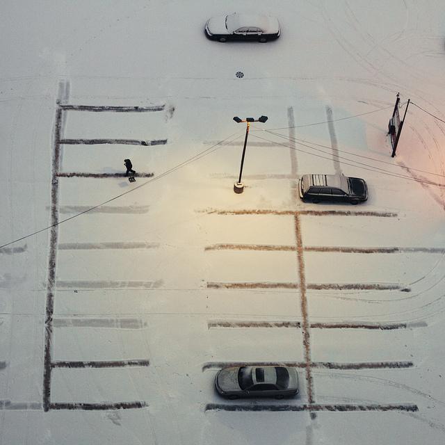 Shoveling the lines (Flickr/Bob Vonderau)