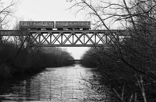 Yellow Line train over the North Channel (Flickr/John Kerr)