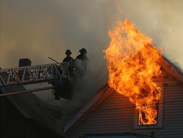 Fire on Bosworth Avenue (Flickr/Stephanie Barto)