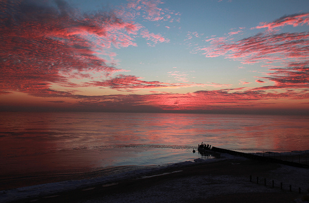 Sunrise (Flickr/Rogers Park Photographer)