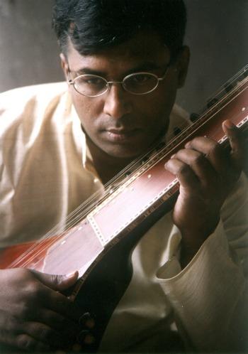 (Photo courtesy of Ravikiran Music)