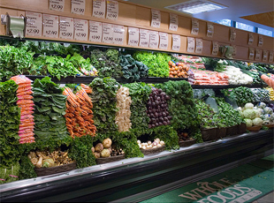 Ballis argues that for fresh produce, Trader Joe's can't hold a candle. (Flickr/swanksalot)