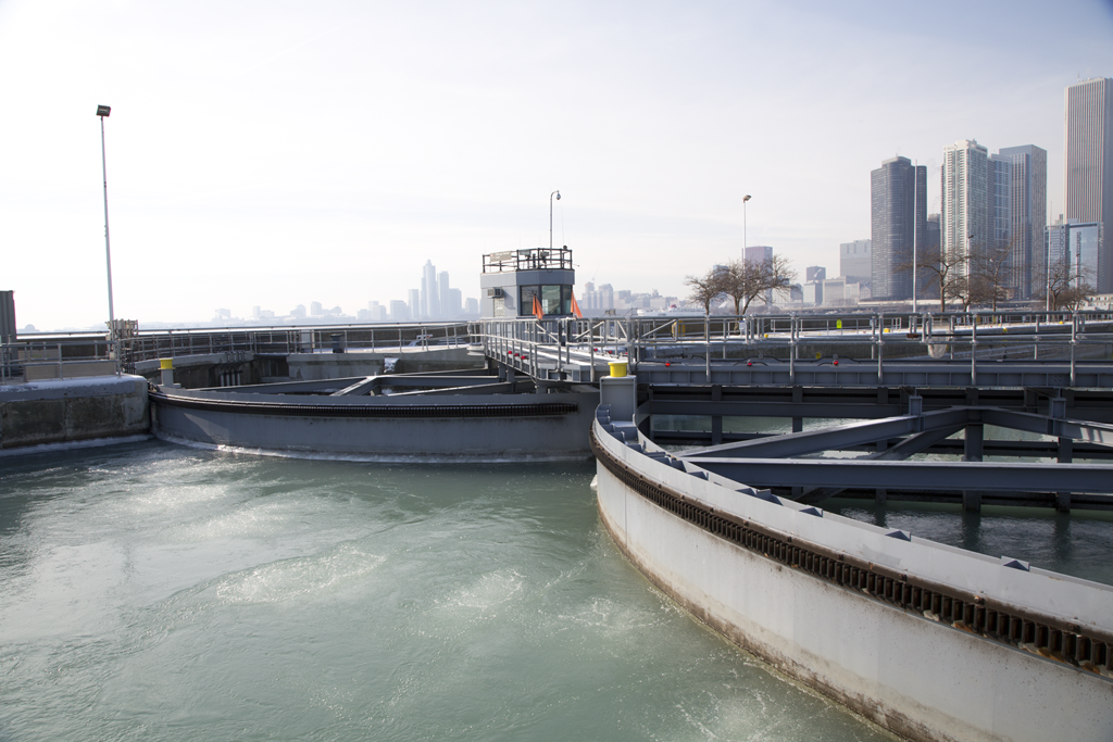 An air compressor and system of bubblers at the gates of Chicago Harbor Lock can help break up ice as it forms. (John Fecile/WBEZ)