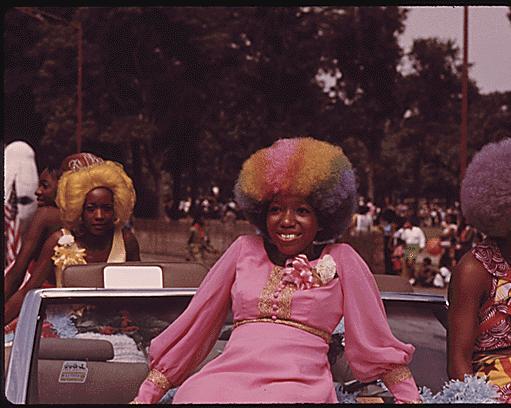 Beauty Queens in the Bud Billiken Parade circa 1973 (John H. White/Calumet 412)