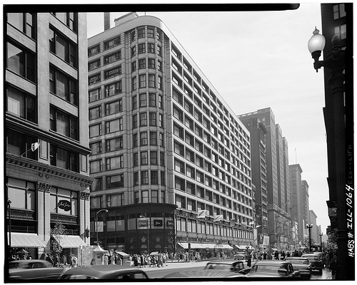 The Carson Pirie Scott building was designed by Louis Sullivan in 1899 (Flickr/urbanoasis)