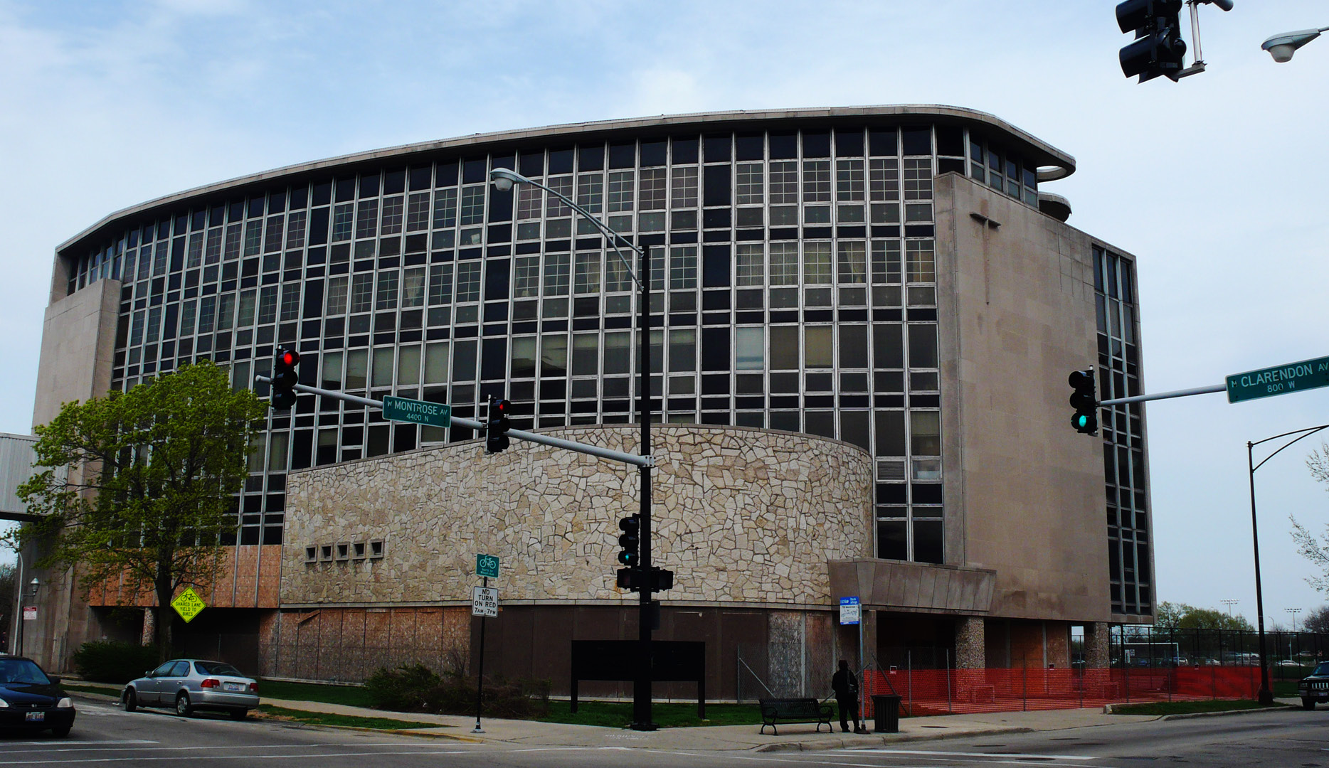 According to Preservation Chicago, Frank Cuneo Memorial Hospital was 'the most modern of hospitals' when it opened in 1957. Now it's on the group's list of endangered buildings. (Preservation Chicago/Stacey Pfingsten)