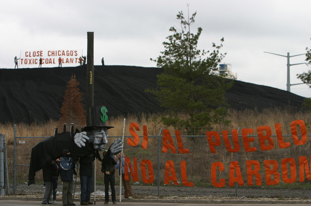 Activists from the Little Village Environmental Justice organization protested in 2011 against the Crawford coal plant, which closed in 2012 (Flickr/Rainforest Action Network)