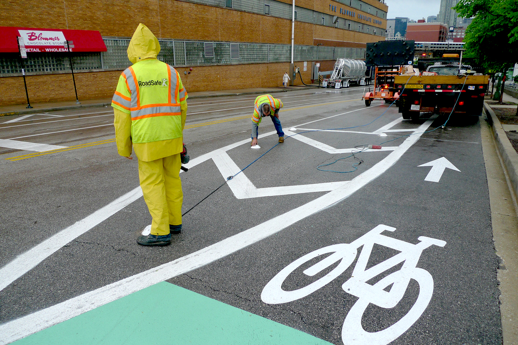 Chicago bicycling infrastructure is improving, but cyclists are often confused about bike laws. (Flickr/Chicago Bicycle Program)