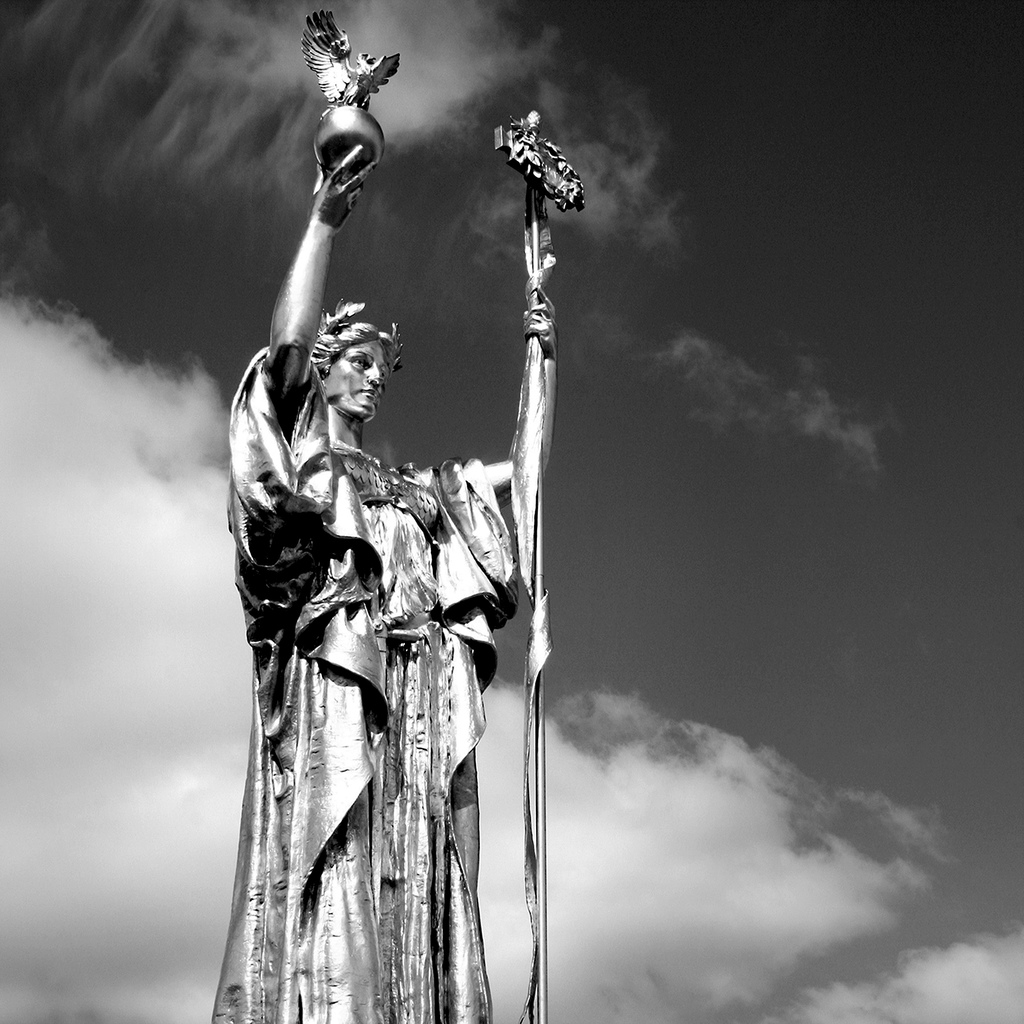 """The Statue of the Republic, created to commemorate the 1893 World's Columbian Exposition held in Chicago, sits in Jackson Park near Lake Shore Drive on the south side of Chicago. The 1893 World Fair is the setting for the Erik Larson novel, """"The Devil in the White City."""" (Flickr/Kristi Logan)"""