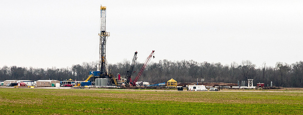 Fracking operation near Shreveport, Louisiana. (Flickr/danielfoster437)