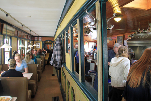 The expanded Franks Diner in Kenosha. Built in the 1920s to look like a train car, but never intended for the rails. (WBEZ/Jennifer Brandel)