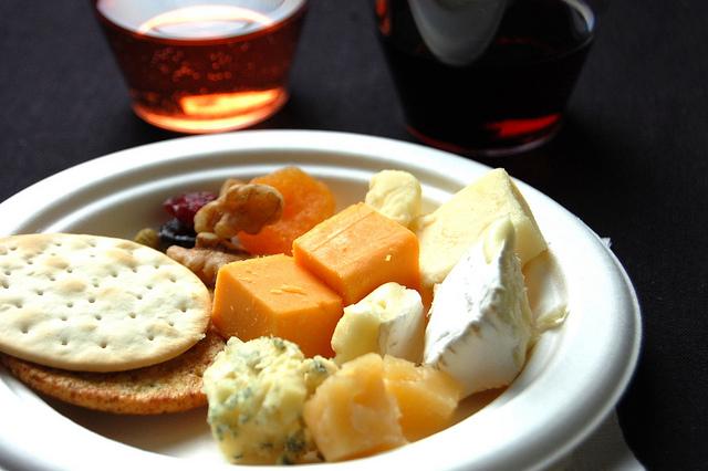 Illinois wine and Wisconsin cheese tasting (WBEZ/Louisa Chu)