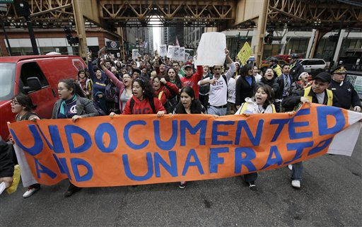 Undocumented Chicago immigrants rally for support in 2010. (AP/M.Spencer Green)