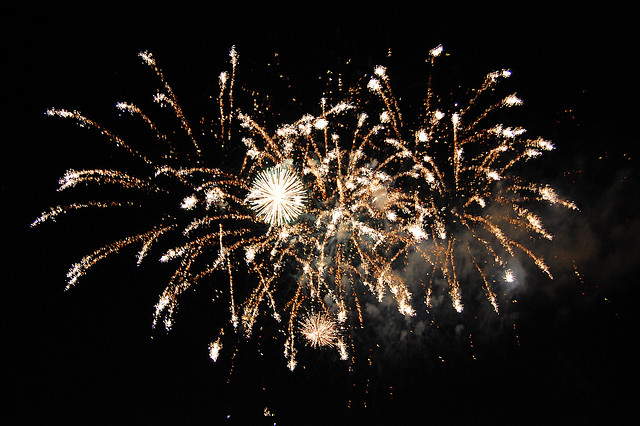 A moment from Itasca's 2008 fireworks display. (Flickr/mrpeachum)