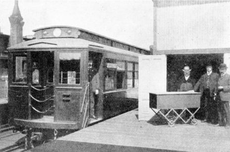 A funeral car at the Laflin station of The Metropolitan West Side Elevated, a predecessor to the CTA. Taken in 1905. (Courtesy of Bruce Moffat)
