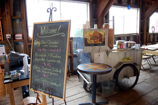 Ludvig's Chowder cart at Sitka Sound Science Center in Sitka, Alaska (WBEZ/Louisa Chu)