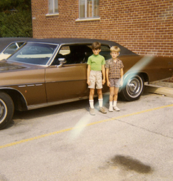 Hainey and his brother as children in Chicago. (Courtesy of Michael Hainey)
