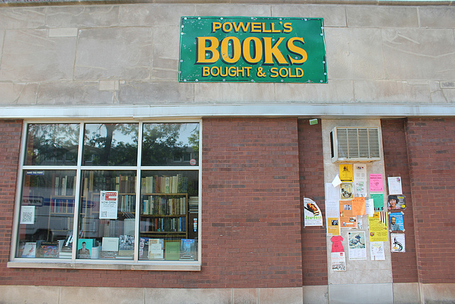 Powell's Bookstore in Chicago. (Flickr/Quinn Anya)