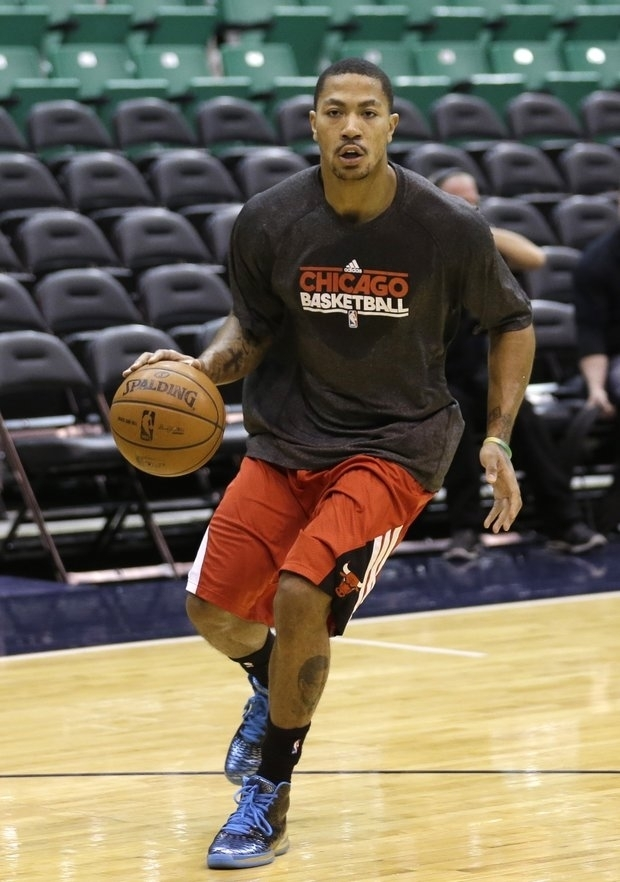 Not returning to the Bulls lineup has caused ill will for Derrick Rose. (AP/File)