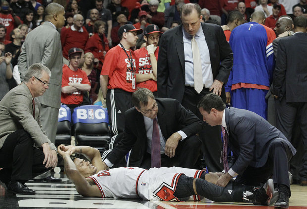 Derrick Rose suffers an ACL injury and remains out. (AP file)