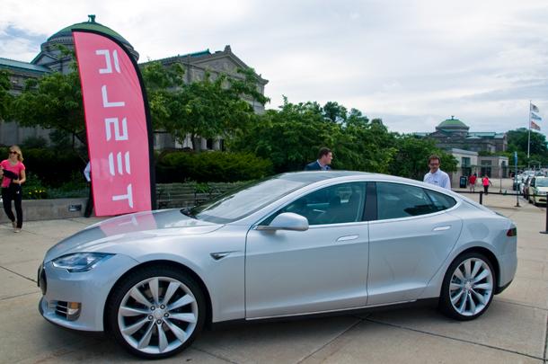 Tesla Model S. (WBEZ/Chris Bentley)