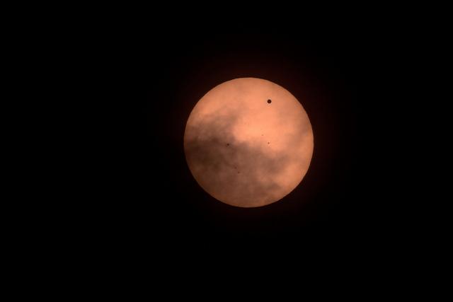 The 2012 transit of Venus. (Flickr/rwarrin)