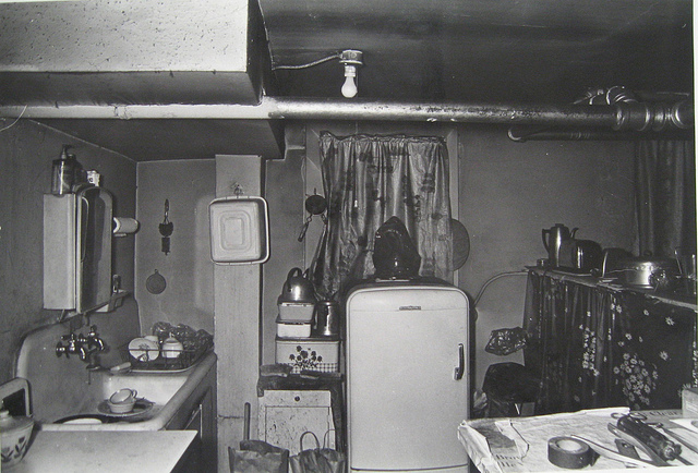 An Uptown apartment kitchen in 1967. (Flickr/Devin Hunter)