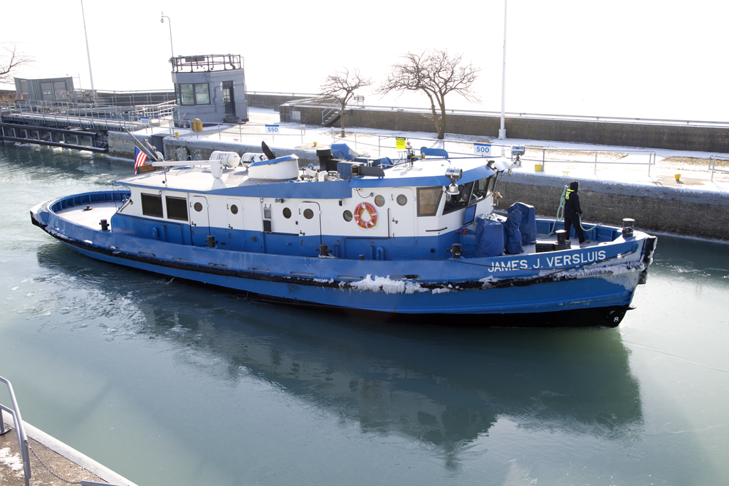 The James J. Versluis, a 90-foot icebreaking tug owned by Chicago's Water Department, can move through 18 inches of ice. (Photo by John Fecile)