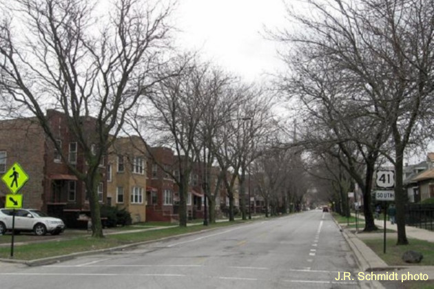 Bungalows and two-flats on South Shore Drive