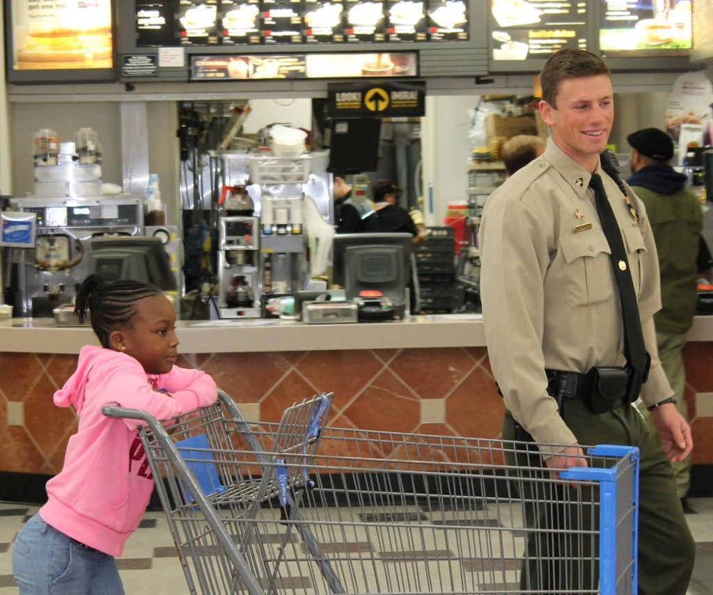 Officer Holloway and his shopping buddy (Courtesy: Maryland Natural Resources Police)