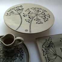 Cow Parsley Cake Stand