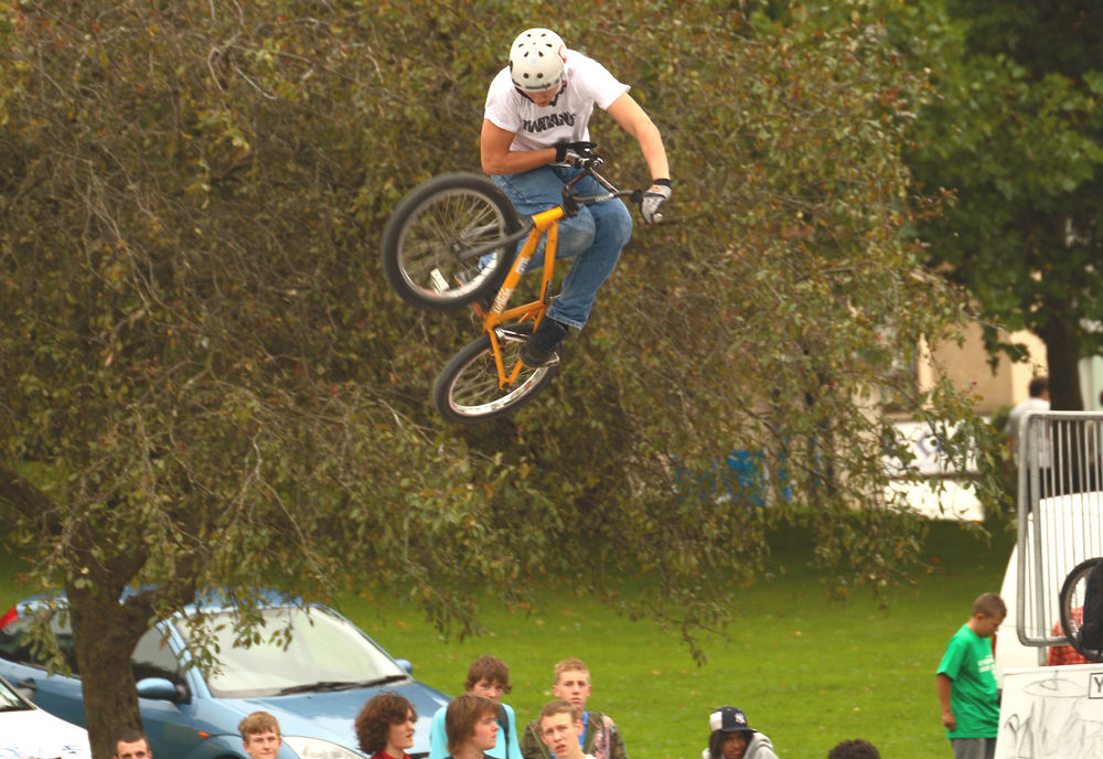 Calum skying one during the bmx jam