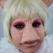 miss piggy prosthetic