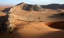 Dunes meet mountains, Jebal Sumayni, UAE/Oman
