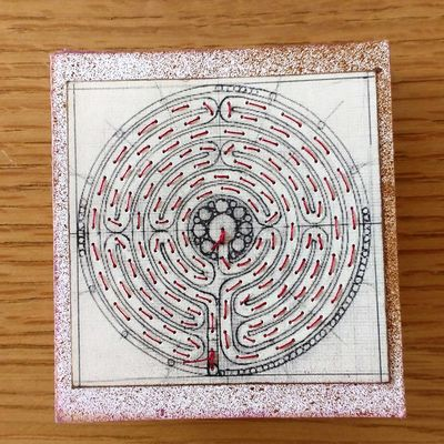 'Labyrinth' meander book