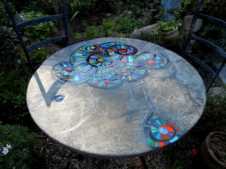 Spira Garden table and chairs