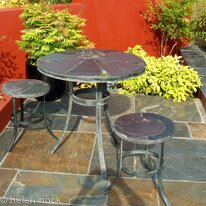 Garden furniture: Round Flower table and stools