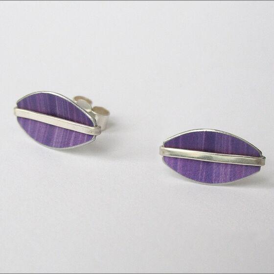 LN5 Oval stud earrings with silver line in purple